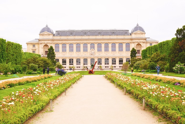 Paris saturday 12